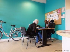 les mots de la cite 2019 1 300x225 - Les Mots de la cité, avec un interprète et écrivain public d'ISM, projeté au FIPADOC de Biarritz